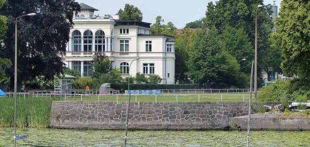 Villa Bergmann Potsdam Schifffahrt Havel