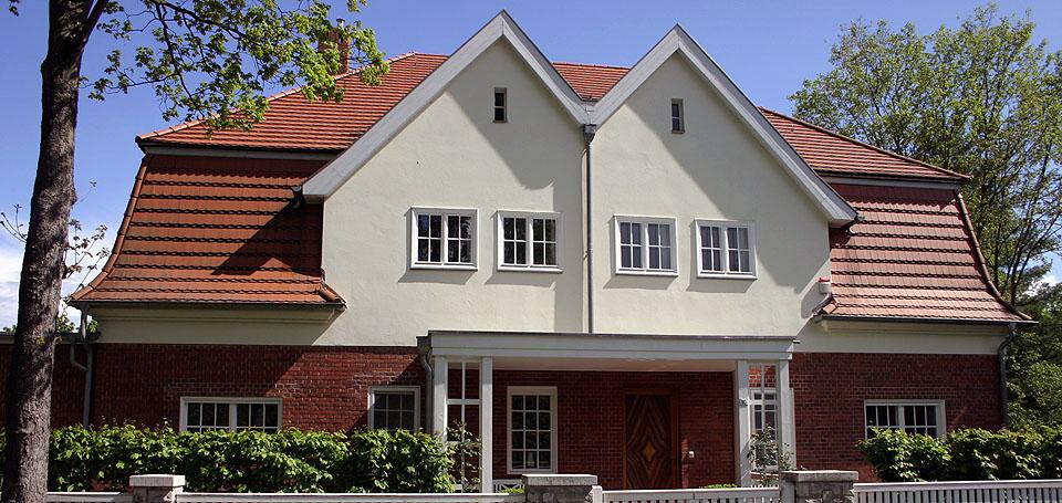 Blick auf ein Doppelhaus in Sacrow Potsdam