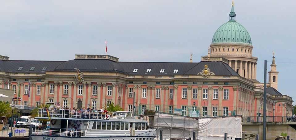 Blick zum Landtag Potsdam, das wieder aufgebaute Stadtschloss, Foto: D.Weirauch