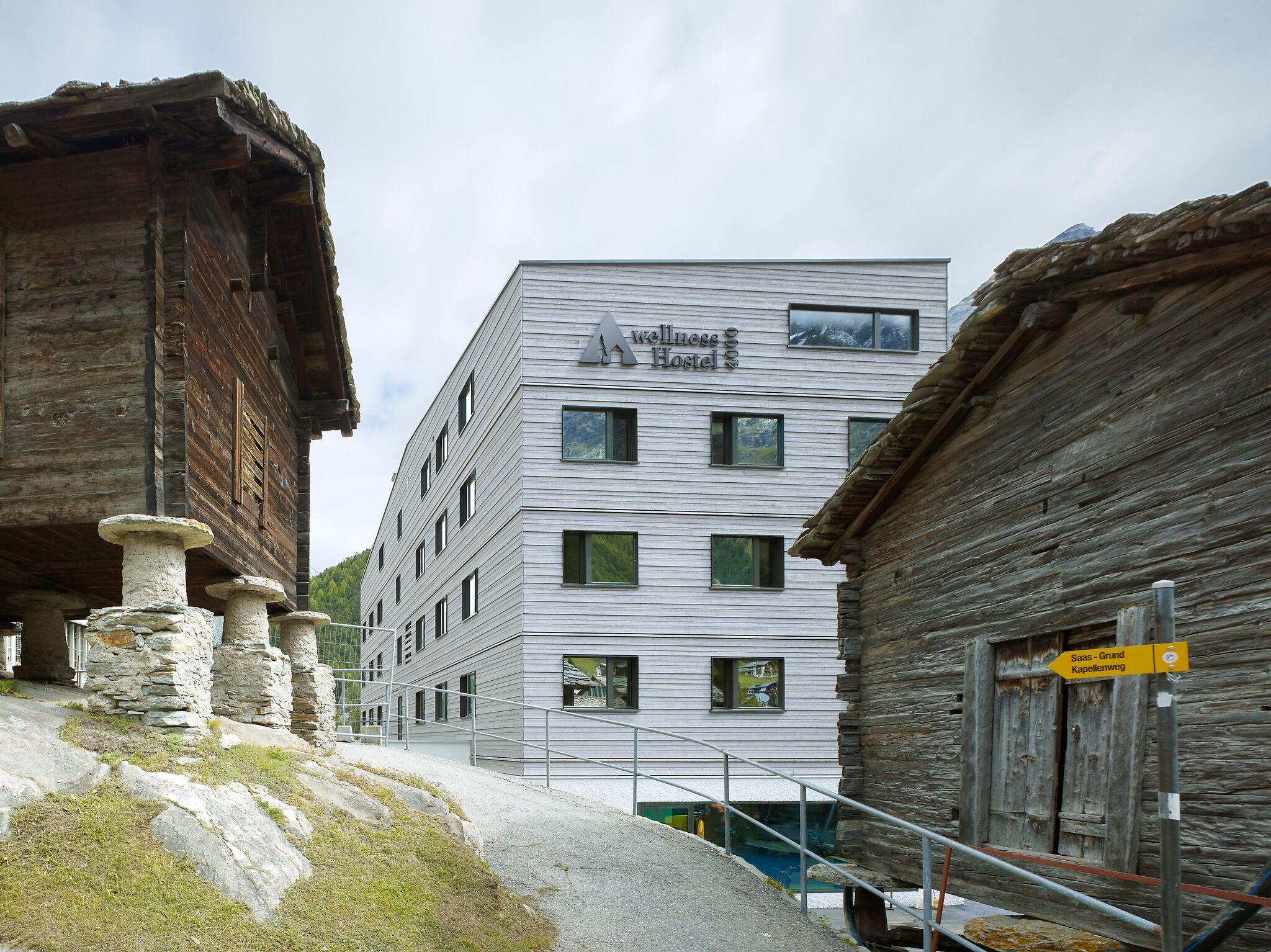 Außenansicht des wellnessHostel4000 , Foto: primcom Schweiz