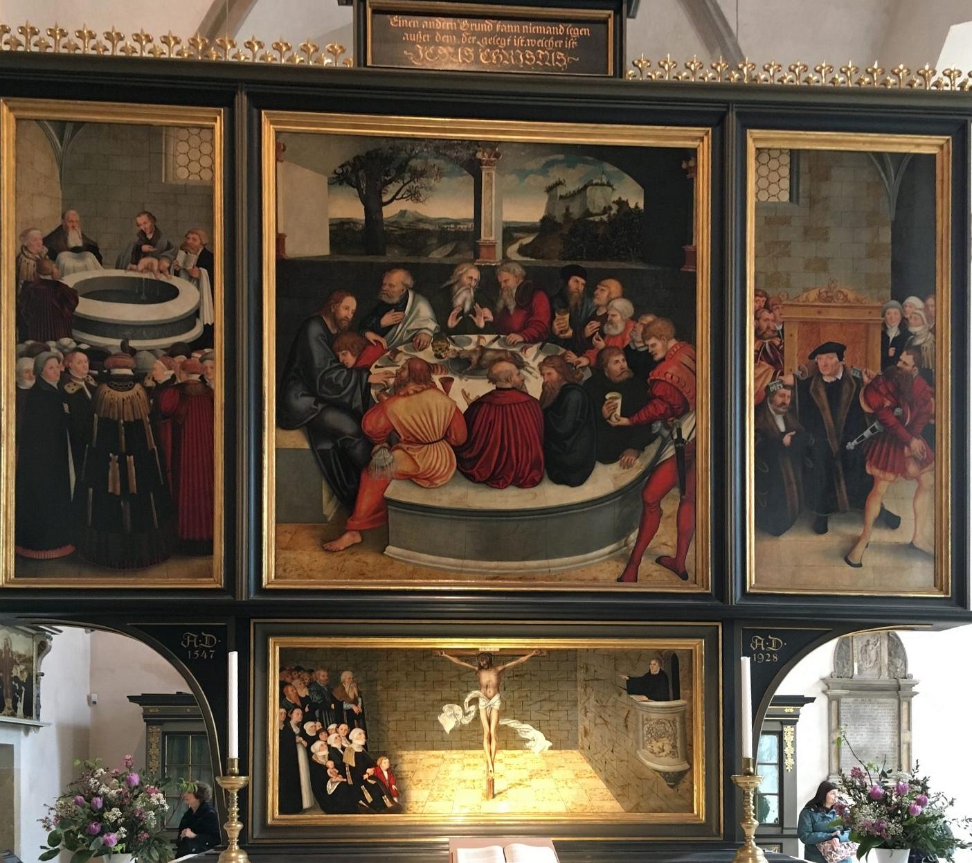 """Der von Lucas Cranach d. Ä. und seinem Sohn Lucas Cranach d. J. gemalte Altar, allgemein als """"Reformations-Altar"""" bezeichnet. Foto: D.Weirauch"""