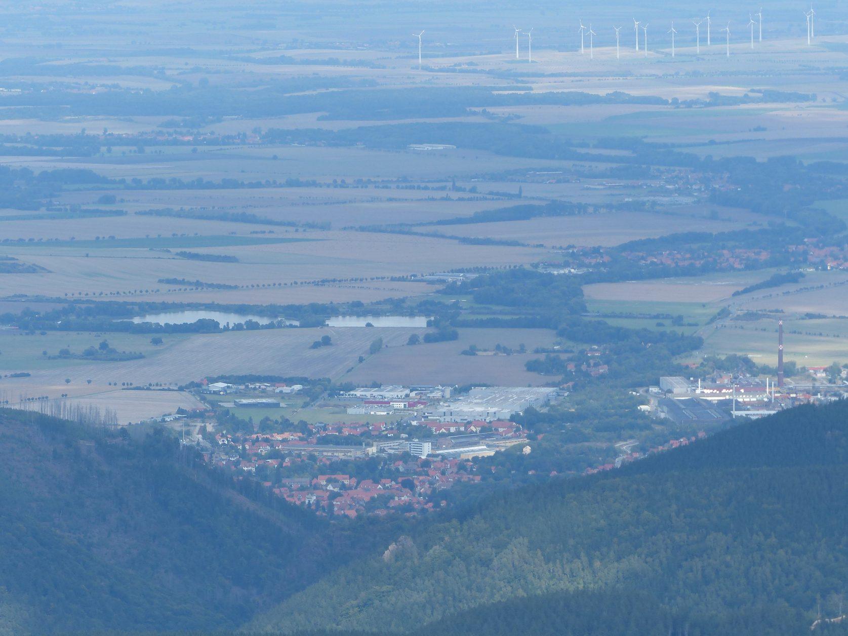 Blick auf Ilsenburg, vom Brocken aus, Foto: D.Weirauch