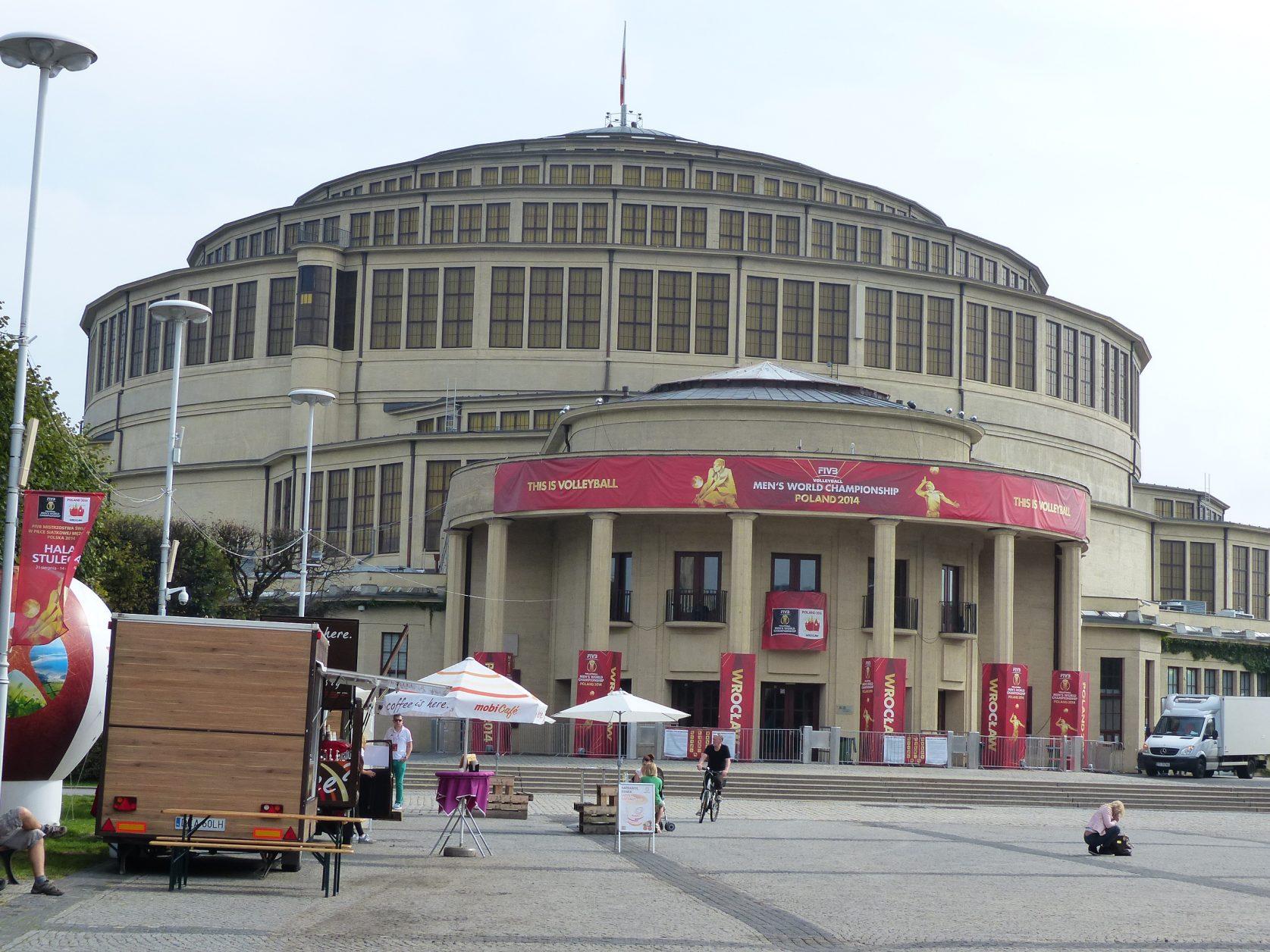 Die Kuppel der Jahrhunderhalle galt mit 65 Metern Durchmesser als größtes freitragendes Bauwerk der Welt. Foto: Weirauch