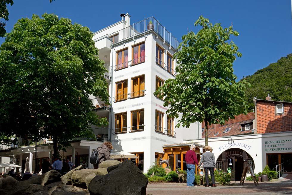 Blick auf Plumbohms Bio-Suiten-Hotel, Foto: Plumbohms