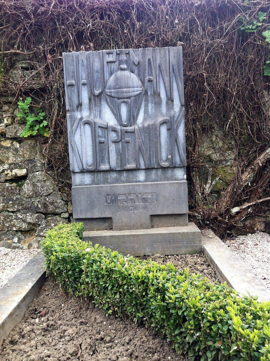 Grab des Hauptmann von Köpenick auf dem Friedhof in Luxemburg Stadt, Foto: Weirauch