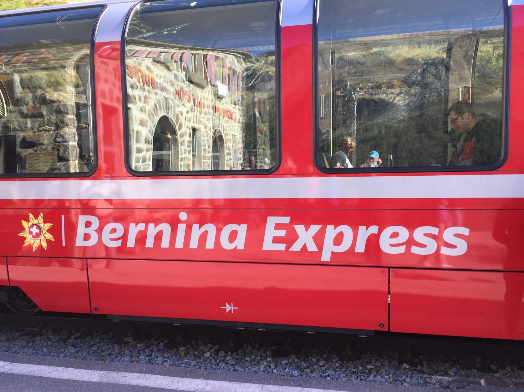 Der Bernina Express ist stets ein begehrtes Fotomotiv, Foto: Weirauch