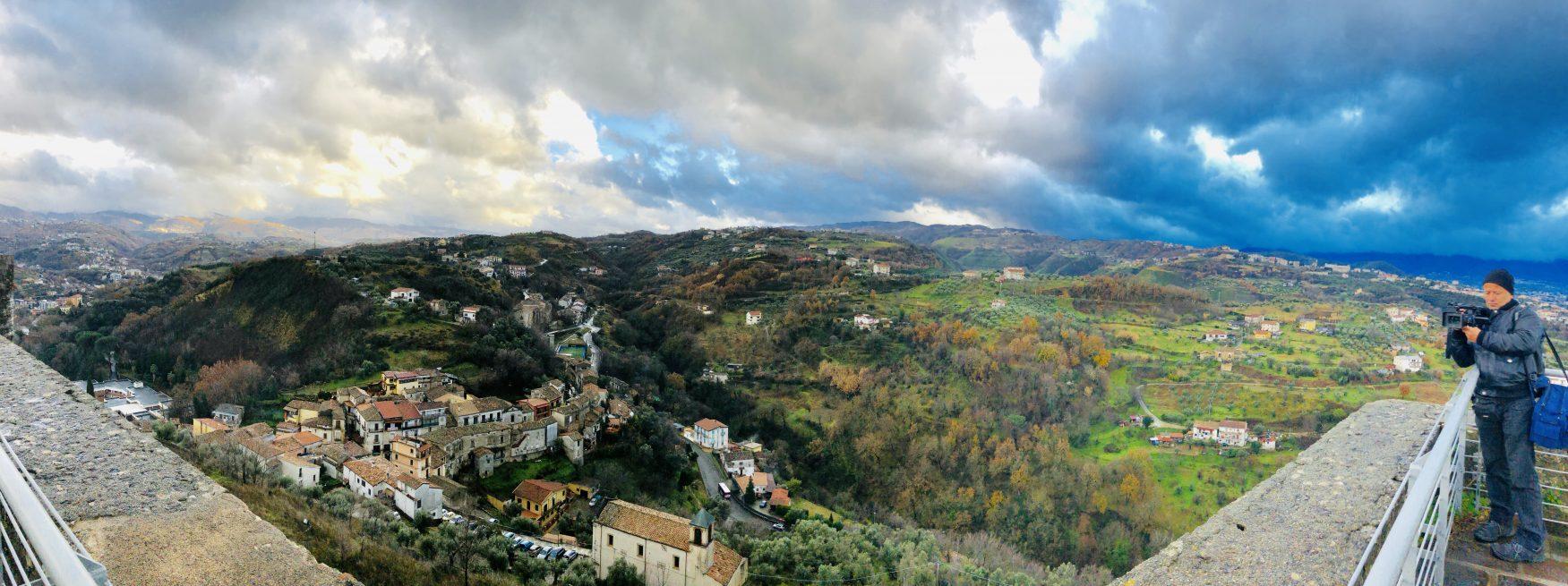 Terrasse des Schlosses bietet den besten Rundblick auf Cosenza