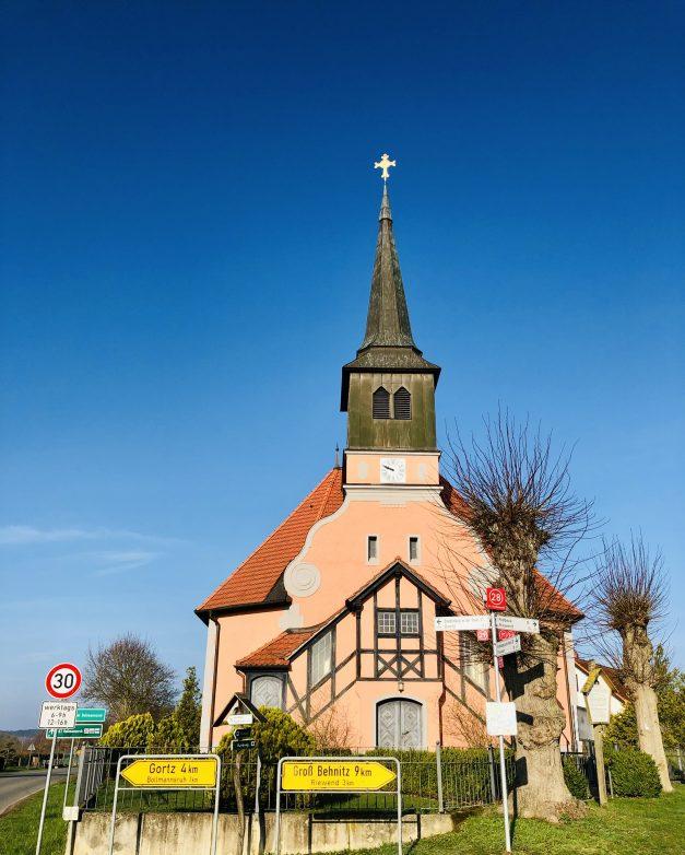 Blick auf die Dorfkirche Bagow, Foto: Weirauch