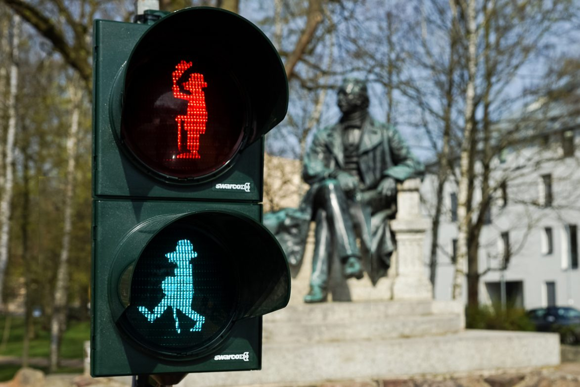 Musterampel am Fontanedenkmal, Foto.www.fontanestadt.de / Andreas Kunow