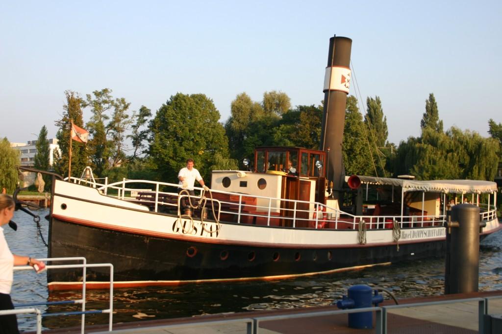 Dampfschiff Gustav im Hafen Foto: Weirauch