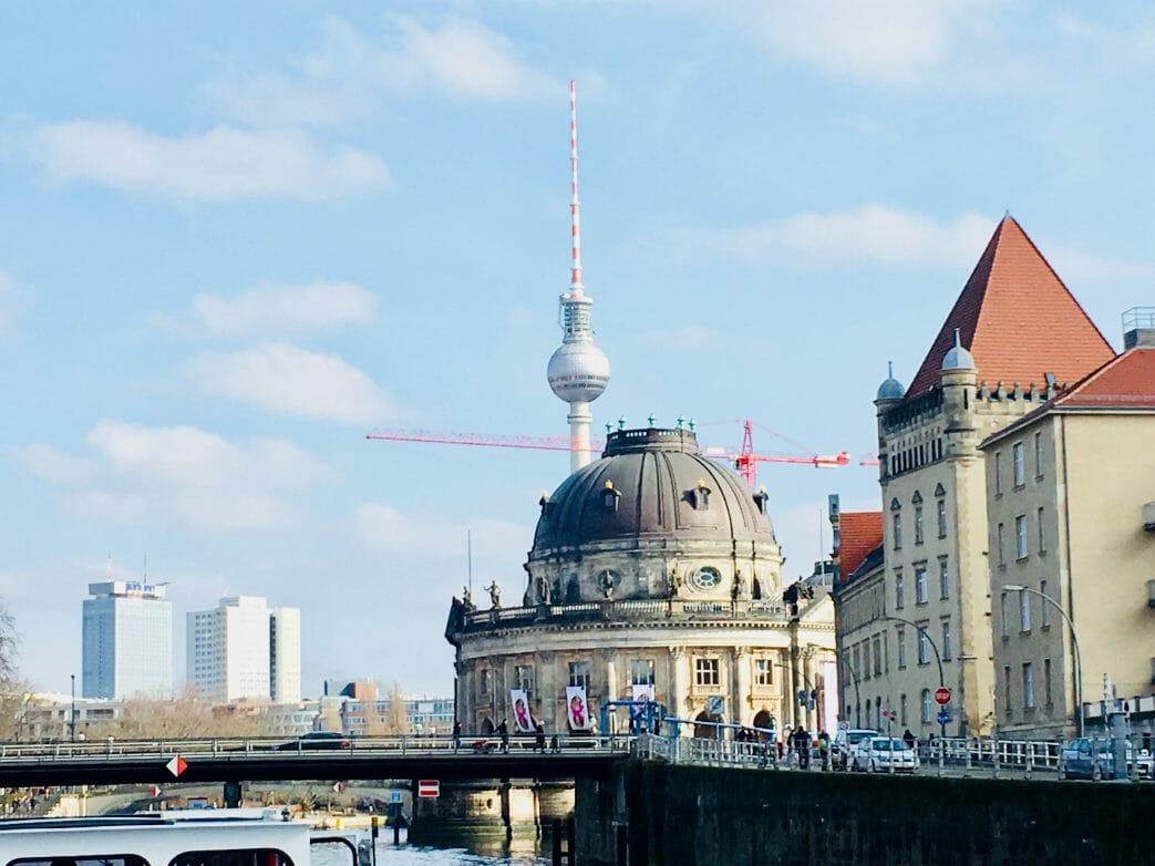 Blick vom Bodemuseum Richtung Alexanderplatz