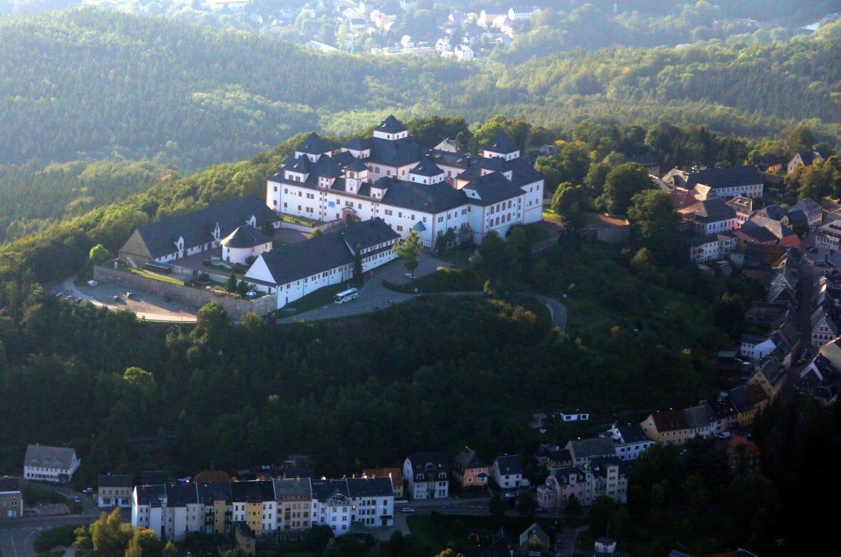 Schloss Augustusburg aus der Luft (c) ASL-Schlossbetriebe gGmbH_Maik Bohn